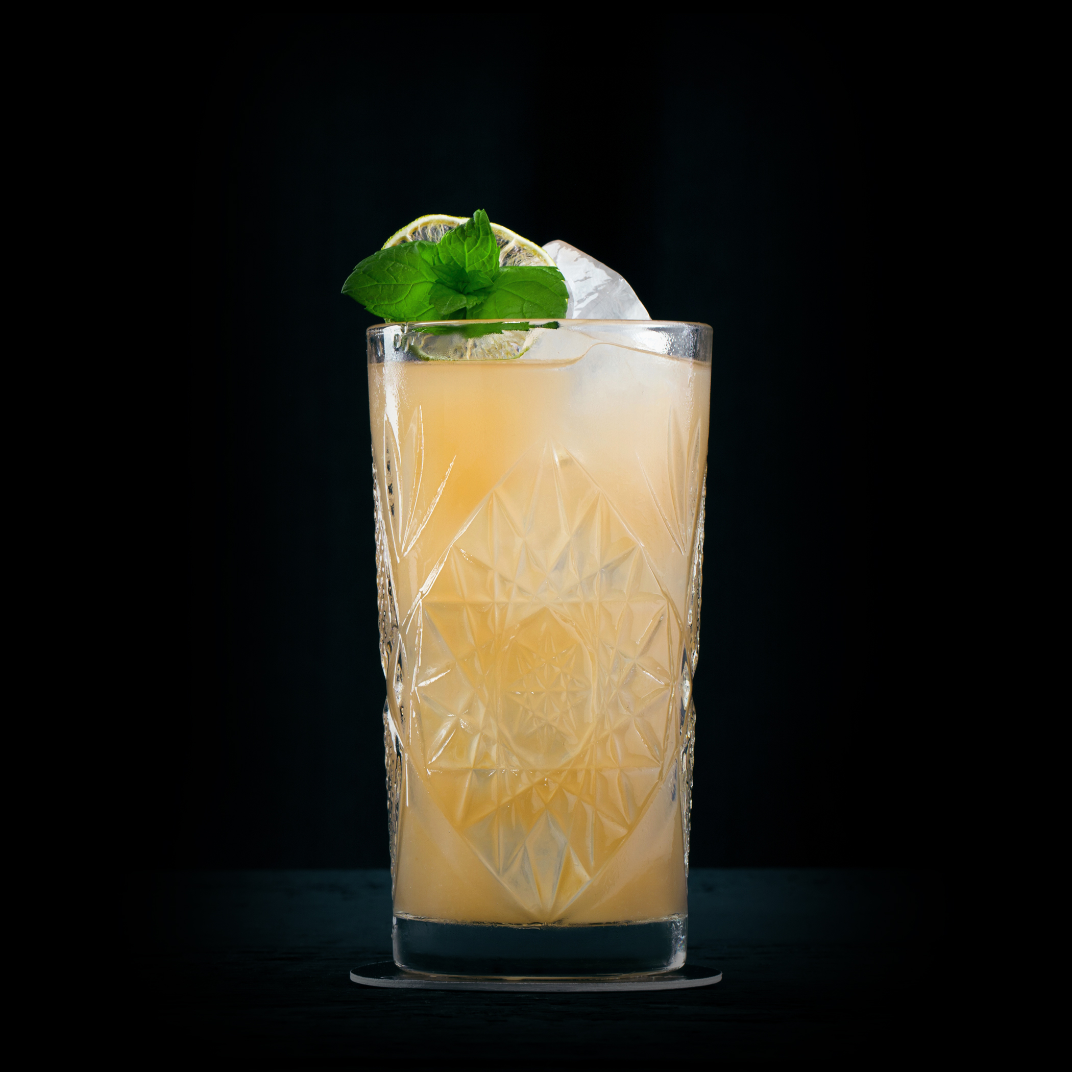 THE SMOKEY PALOMA  INGREDIENTS  - 2 oz. El Silencio Espadin  - 1 Lime Wedge  - Fill w/ Grapefruit Soda  METHOD  Squeeze Lime Wedge and drop in