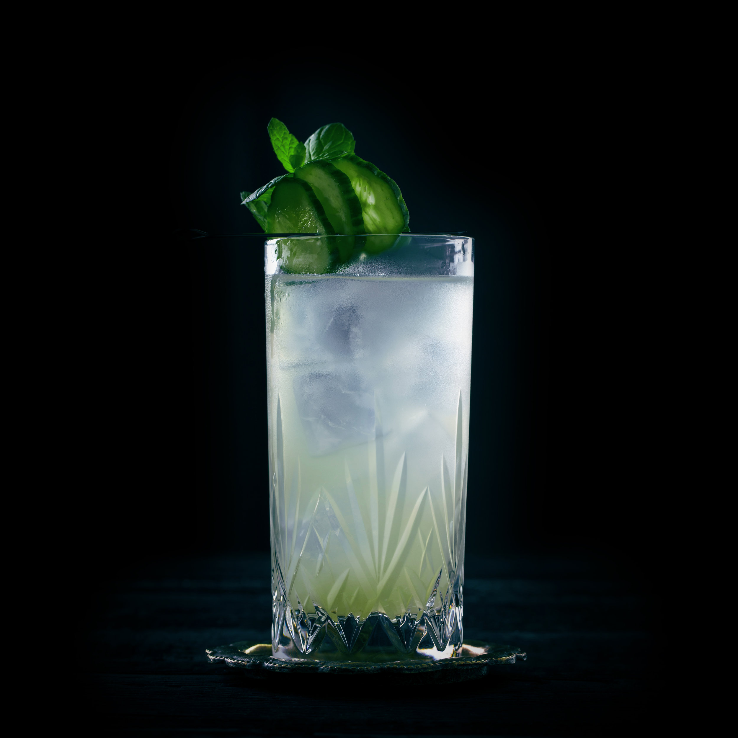 THE MINTY  INGREDIENTS  - 1.5 oz. El Silencio Espadin - 1 oz. Fresh Lime Juice - 3 oz Juiced Cucumber - Fresh mint  METHOD  Muddle Mint - Add additional ingredients  Shake with Ice & Strain  Garnish: Cucumber Wheel & Mint