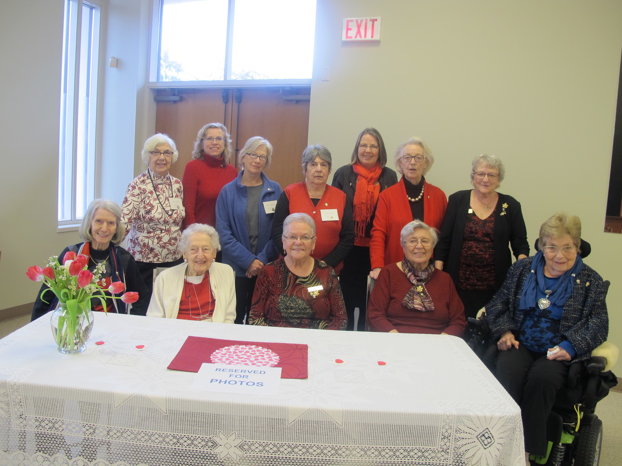 Members who received long-service pins