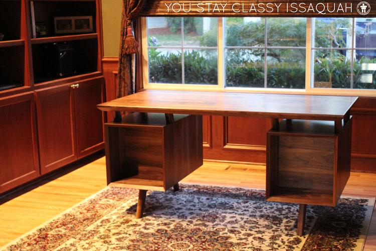 Issaquah custom desk