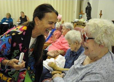 Nursing Home Volunteer-min.jpg