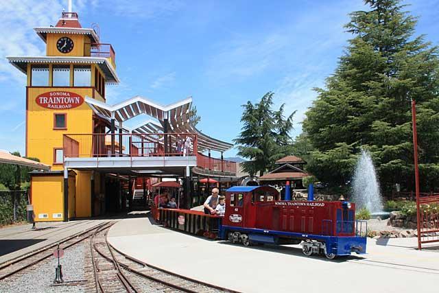 TRAIN TOWNS -