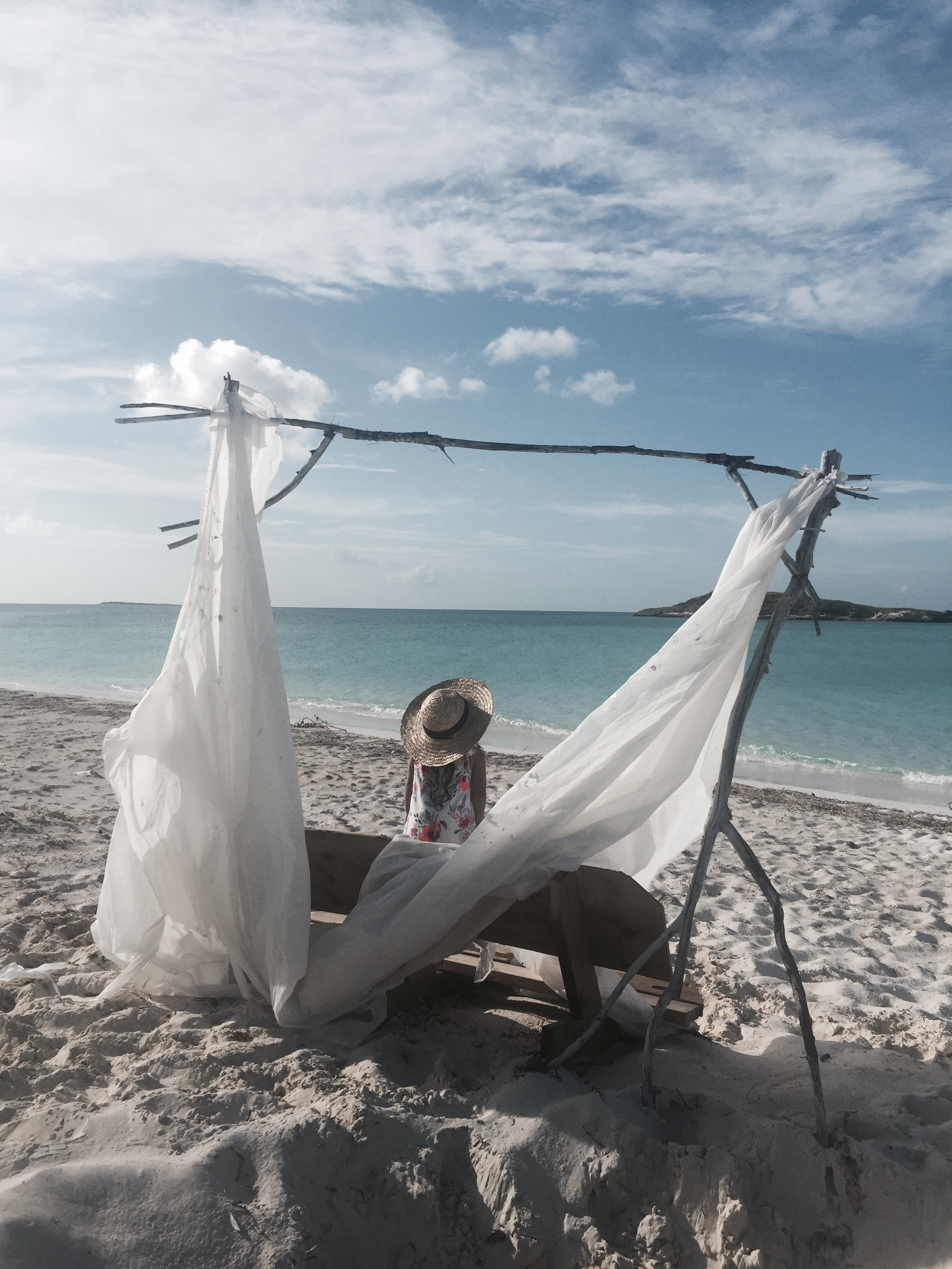TROPIC OF CANCER BEACH - Ok, so not my favourite since it was almost an hour drive for what I think was almost the same beach right across our villas, and it had hardly any kind of shade! Yet this is known for being the prettiest beach in Exuma, consisting of