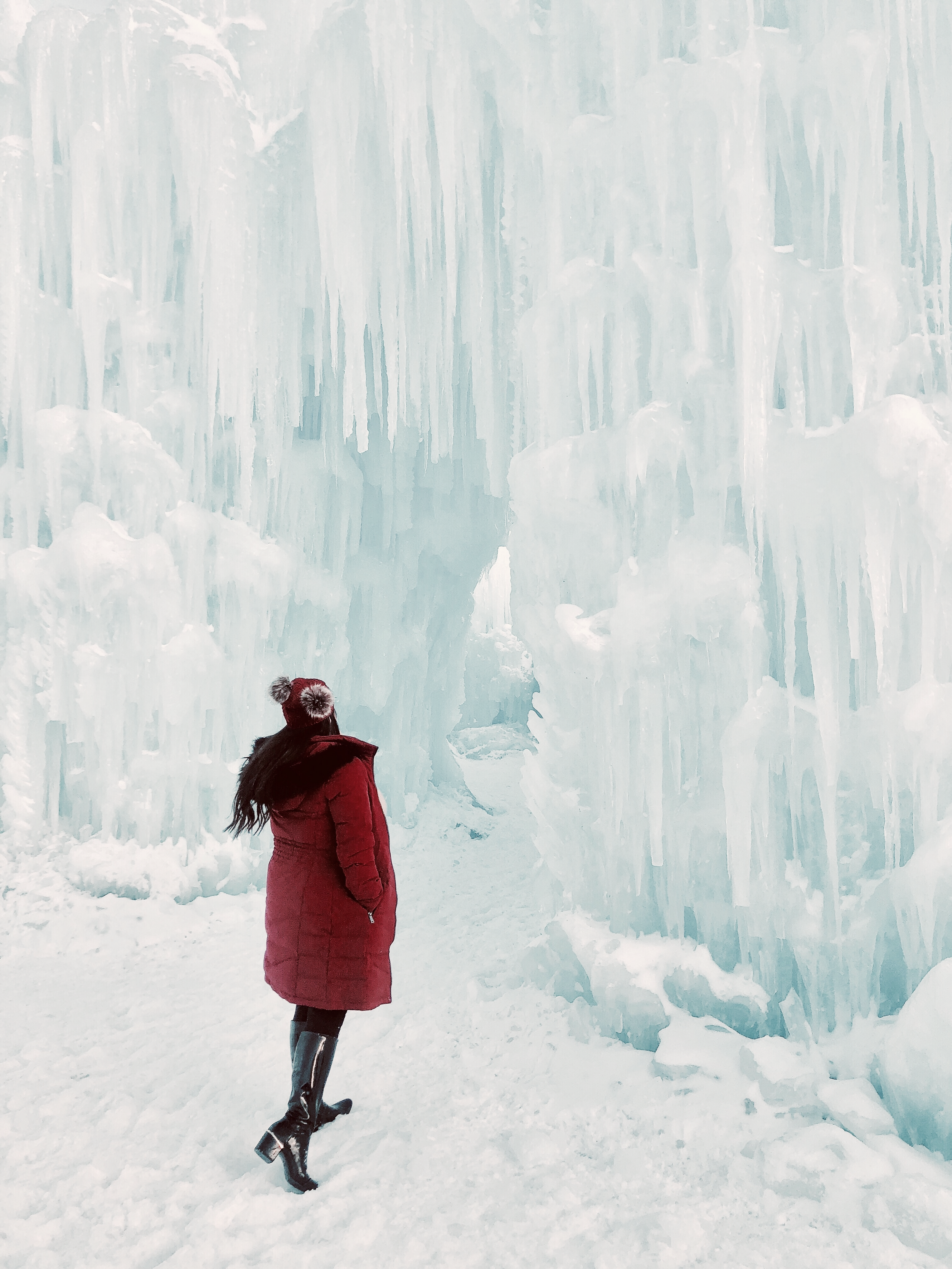 DILLON - Did someone say ICE CASTLES! This small town is the first of six in North America to open this year. Ice artisans have been building the castles since mid-November, using 25 million pounds of Ice. The Craftsmanship was incredible, solely made out of icicles and water.Check out the ice castles all over the country!https://icecastles.com/