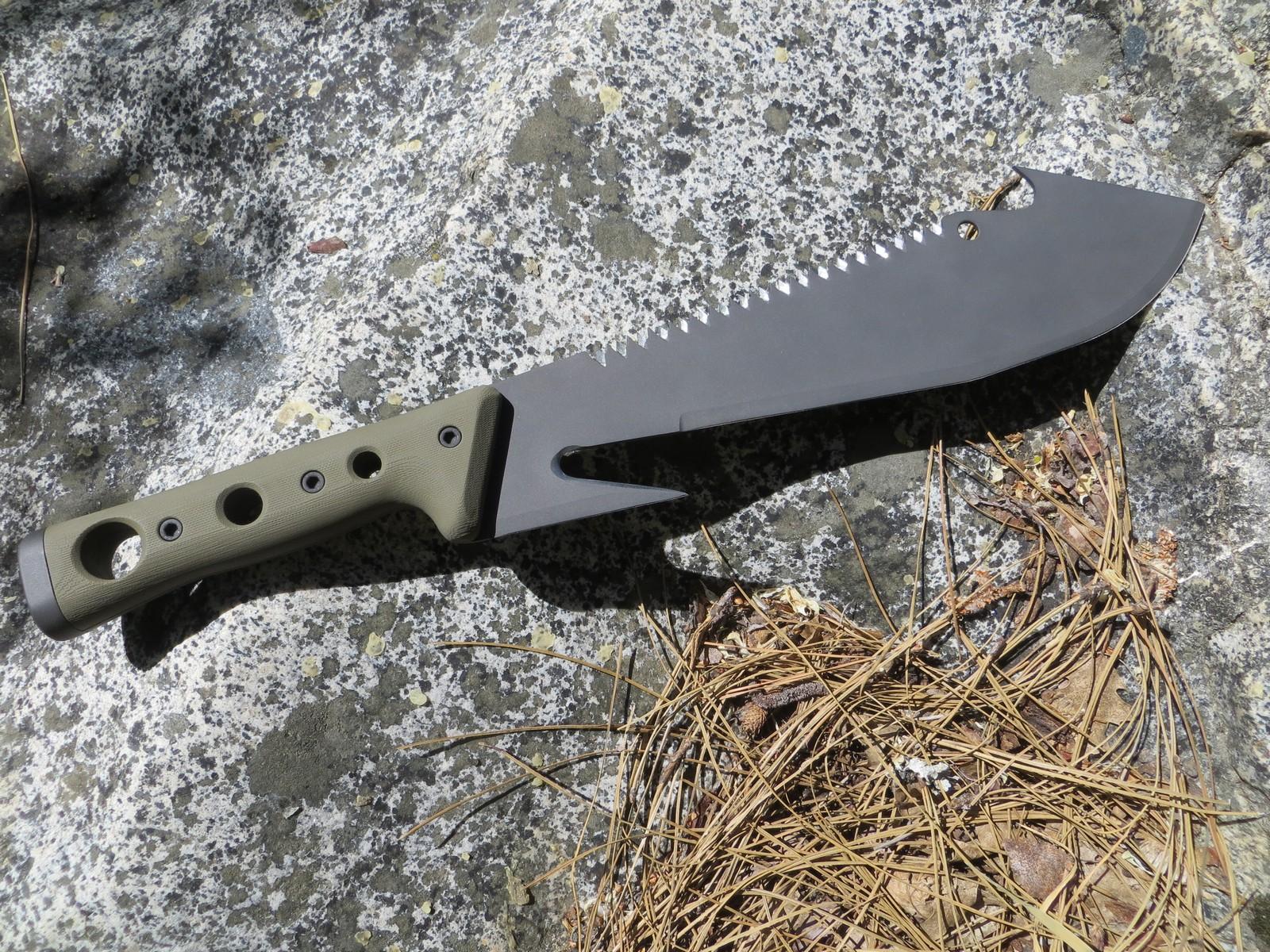SM12 Survival Machete a compact Survival Challenge Tool.