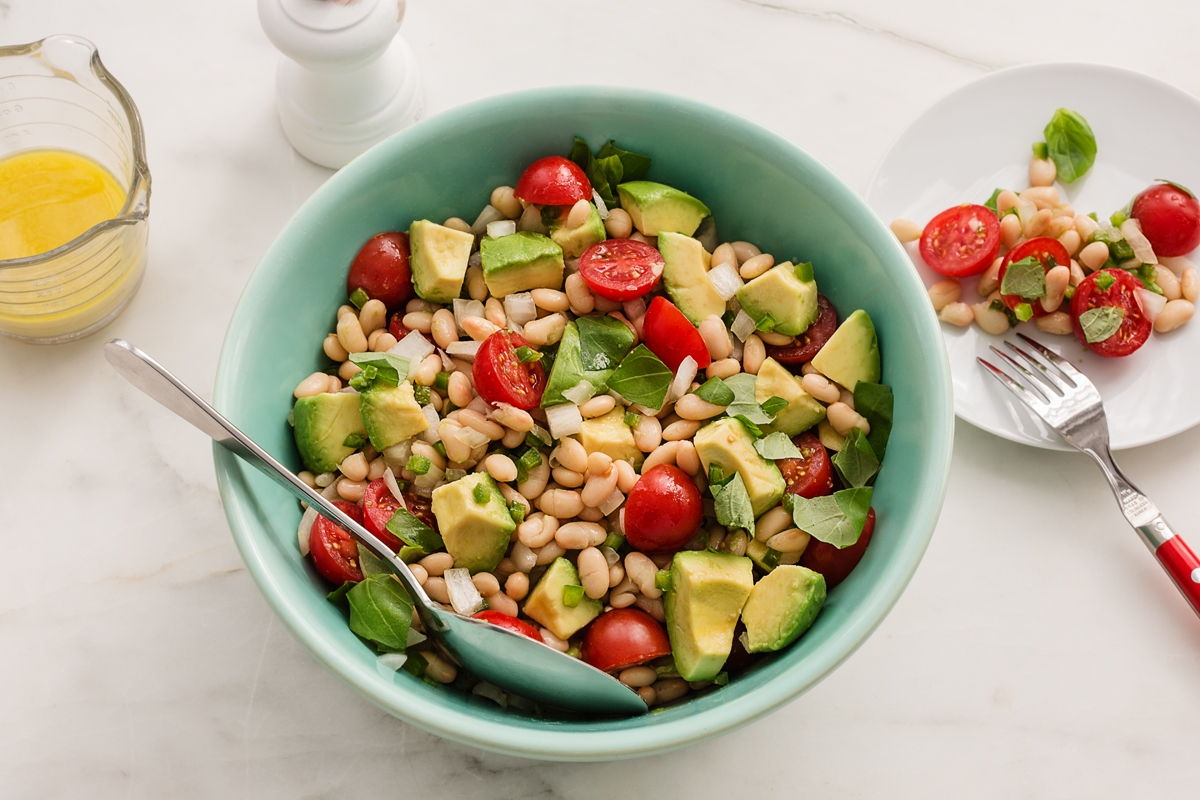 Green Valley Organics Great Northern Bean, Avocado, and Tomato Salad