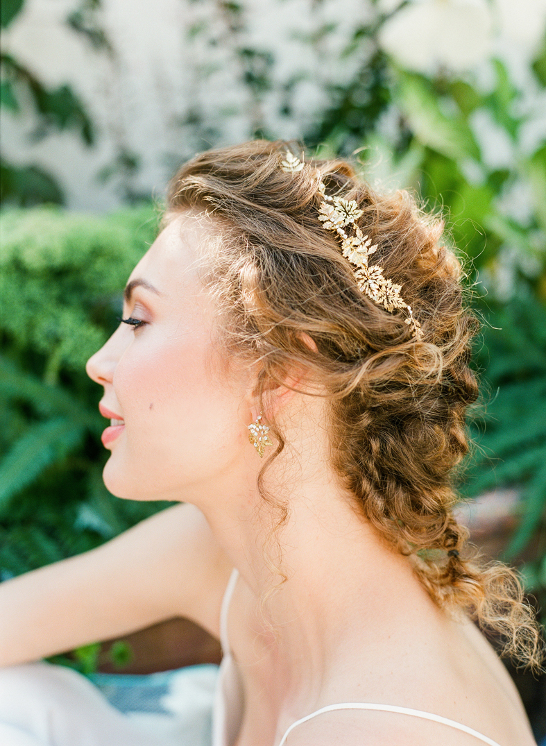 romantic bohemian gold leaf comb pearl crystal hushed commotion side.jpg