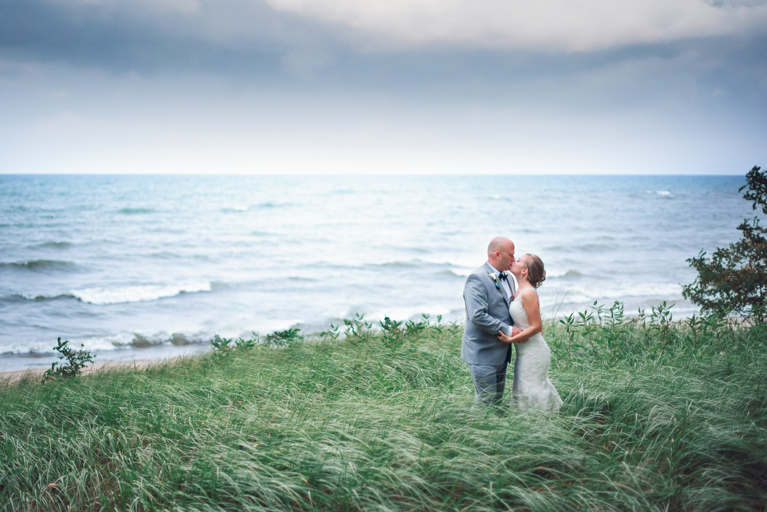 One thing we always like to let Wedding Couples know is that in order to capture beautiful portraits, it takes a little bit of time! So if you want stunning portraits of the two of you, or your bridal party, make sure you're scheduling a little bit of time for it all to happen.