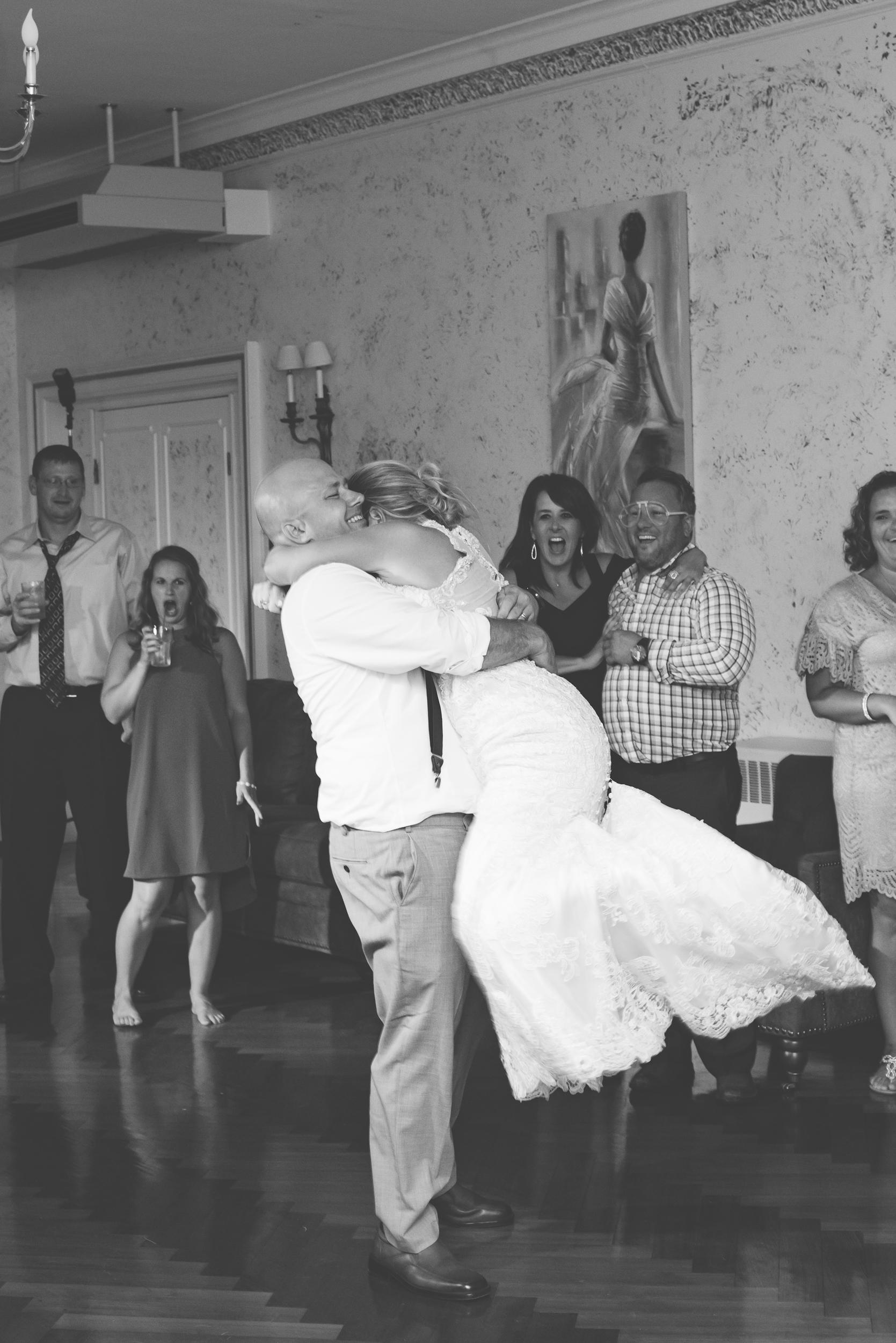 SunCliff Wedding Blog-36.jpg