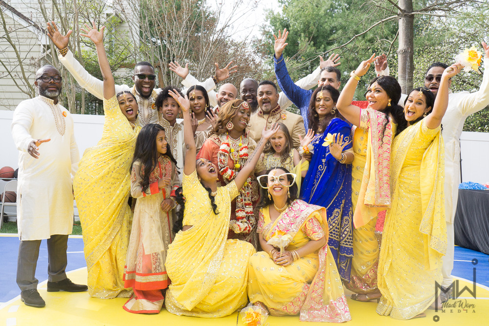 Traditional_Indian_Bridal_Party.jpg
