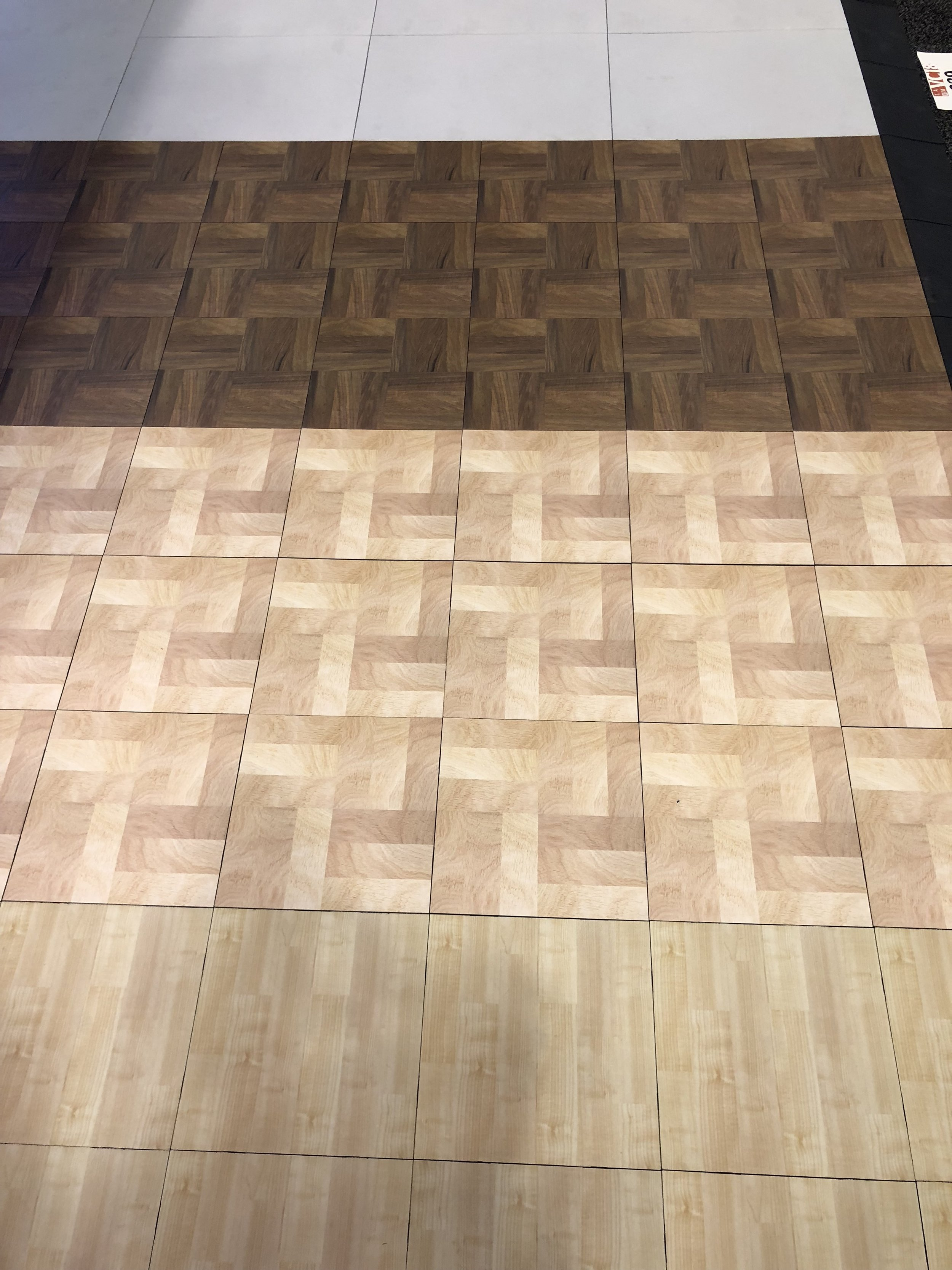 4 realistic wood patterns available.