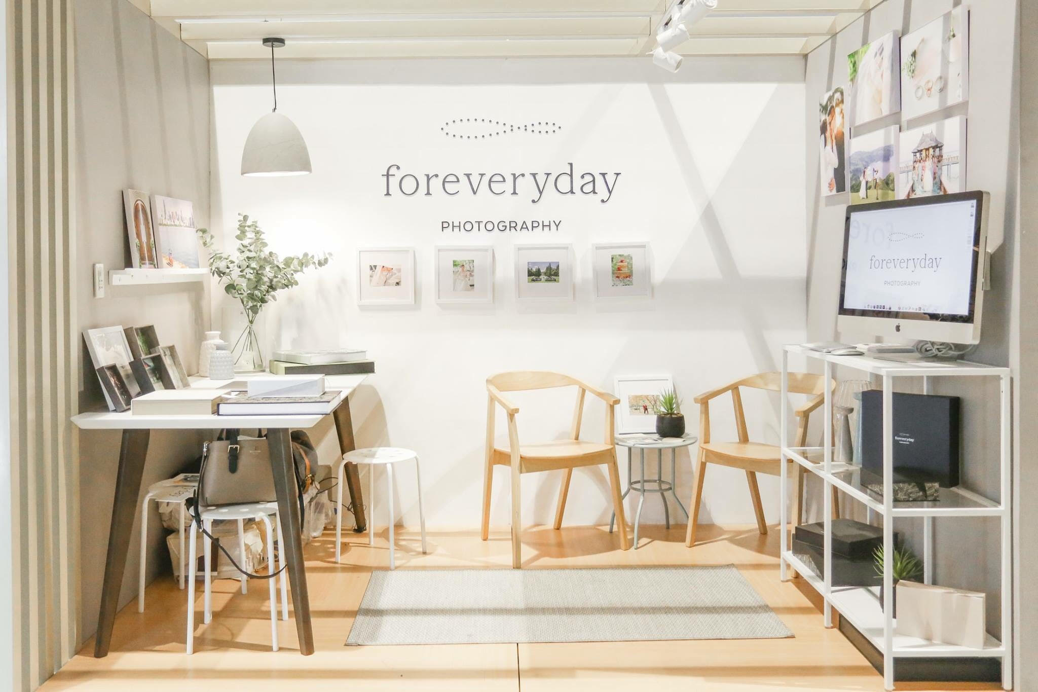 Forevery Day Photography : Exhibit Booth