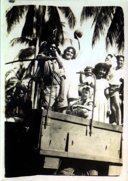 - Canaris siblings & Larrakia man Paddy, 1947.