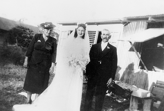 - Wedding of Flo Canaris with parents, 8 May 1947