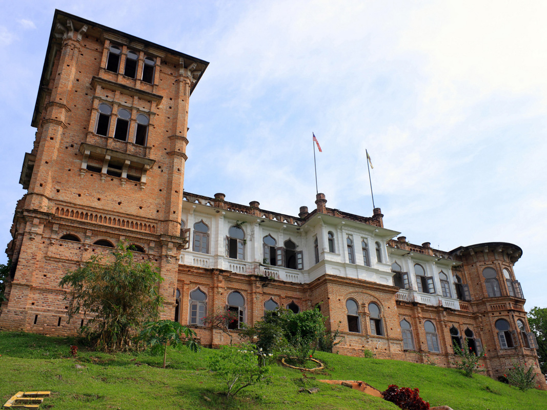 Kellie's Castle was restored by the museum conservation department around 2012. There has been some public criticism of the odd stretch of white paint that colours the upper level of the façade—which many believe to be part of the conservation effort—while the rest of the building is left in its 'natural' state. However, one elderly man whom we interviewed shared that he distinctly remembers seeing the upper floors being white even from his time as an adventurous child, venturing into the thick, jungle-like undergrowths to explore the castle with his neighbourhood friends. The most likely explanation was that Kellie-Smith had done a test of the lime-wash white paint on the building himself.