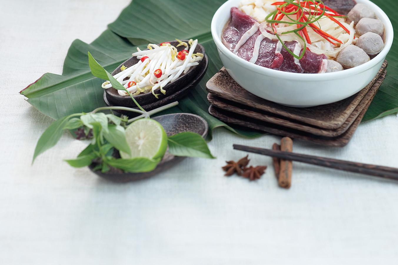 PIX_Little Vietnam_Food_VF_02_pptres.jpg