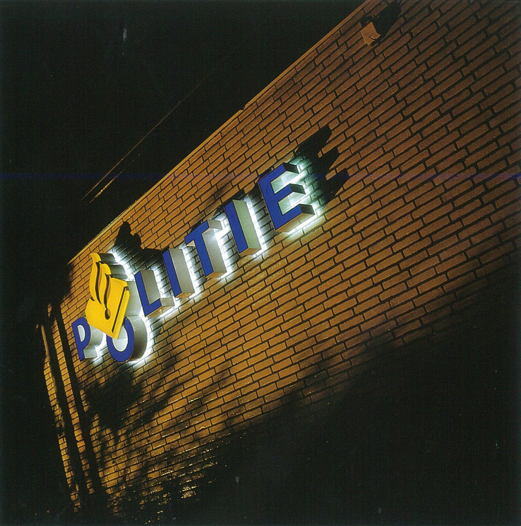 StudioDumbar_Dutch Police_Sign Scan.jpg