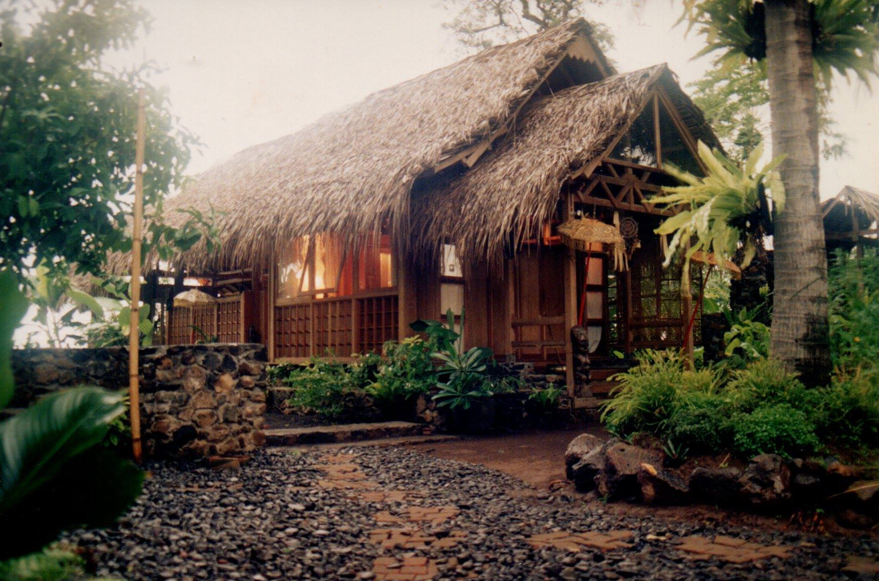 """""""I think this was Eko's studio, or his home... I can't recall. Balinese studios all look gorgeously similar.""""  — William Harald-Wong"""