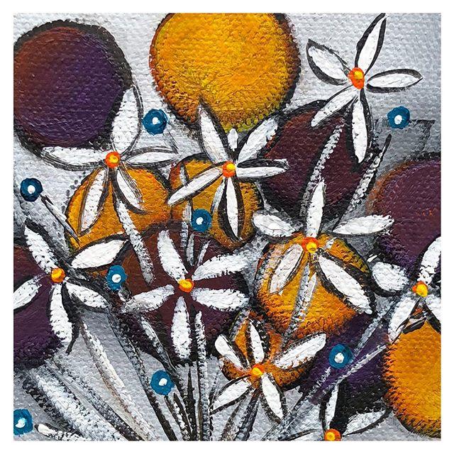 Cow with Flowers 2...having a field day #art #artist #contemporaryart #artformywalls #australianartist #onlineartforsale #statementartworks #artcollective #artdiscover #artfinder #artlovers #bluethumb #bluethumbartist #myart #inspirational #julierobertson