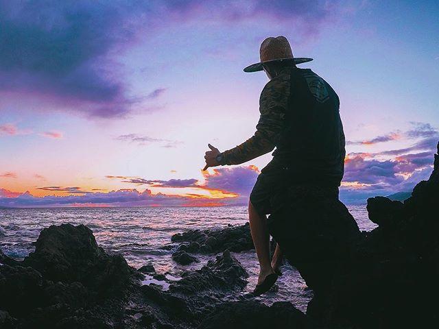 Hang loose... Jesus is Alive! 🤙🏼🌅🙏🏼 . . . #gopro #maui #easter #sunday #sunset #hangloose #shaka #aloha #goprophotography #hawaii #808allday #venturehawaii #hero5 #goprohawaiilife #kihei #hawaiilife #betheaction #happyeaster