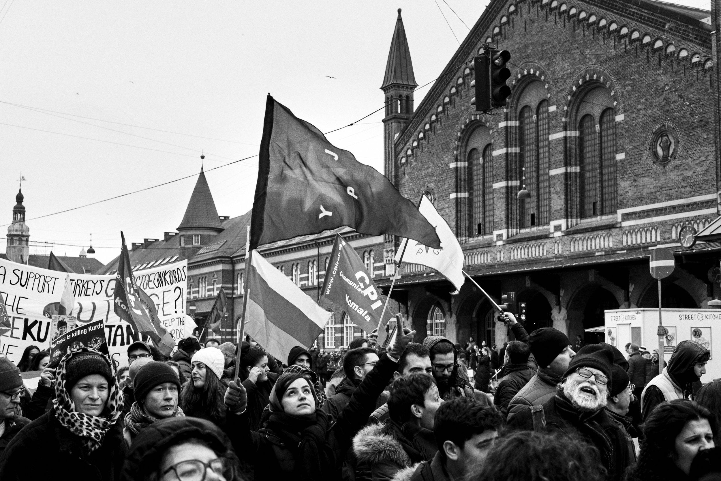 resist-19.jpg