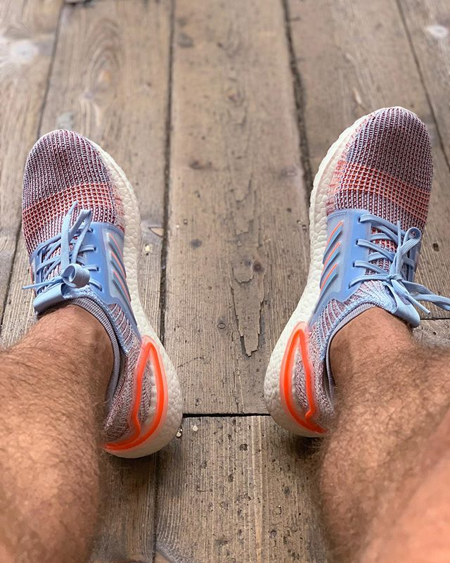 Summer Lovin' these new bright colourways of the Ultraboost 19 . Having a blast just cruising around town gently this morning, no set pace distance or time just out enjoying the sunshine and running for fun again . I've not tried to hide I've struggled a bit since Race to the Stones, my body still hates me a little bit and I'm struggling to recover from the distance of 7.5 marathons in 7 weeks. But I was massively inspired by the Sports Direct Run Crew Thursday night sharing their stories and plans. Waking up and seeing the sunshine I couldn't not go out for a gentle explore of town and start slowly introducing my body to the idea of exercise again . I may or may not have also ended up the run with some coffee and a waffle in hand sat down by the river... it's what Sunday's are for . ✌🏽❤️🏃🏽♂️☕️🥞 . . . . #sdrunners #sdruncrew #sdrunning #adidas #ultraboost