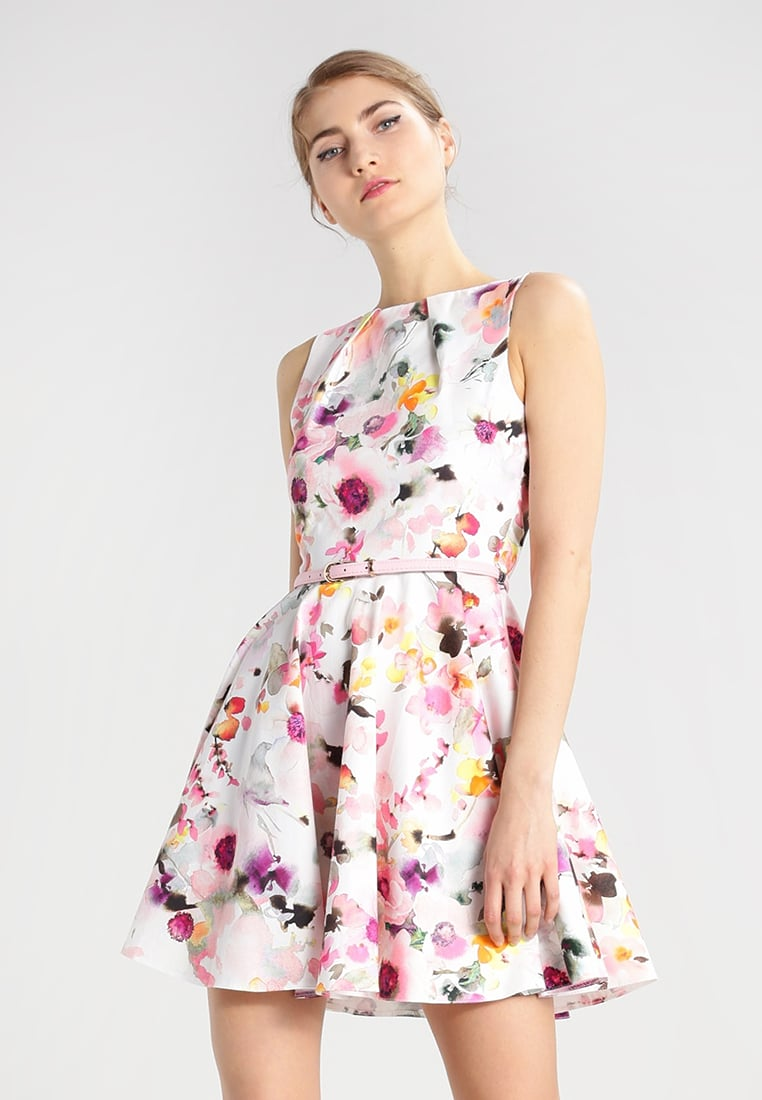 Romantiska klänningar till midsommar — ANGELICAS CLOSET