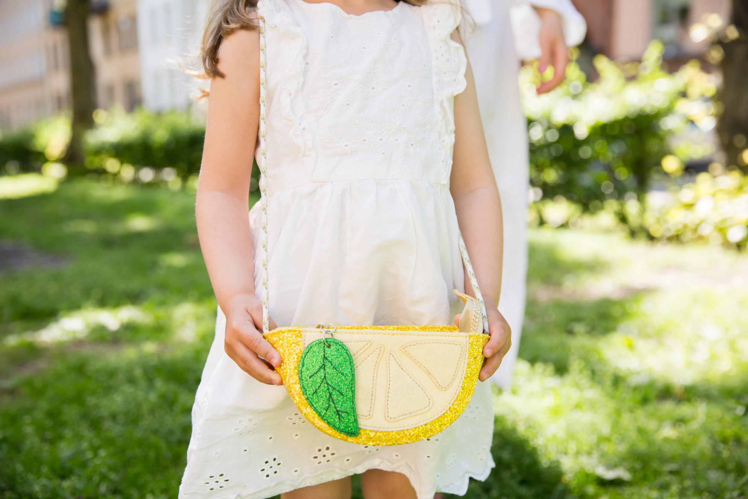 barnklader HM klanning vaska Livly.jpg