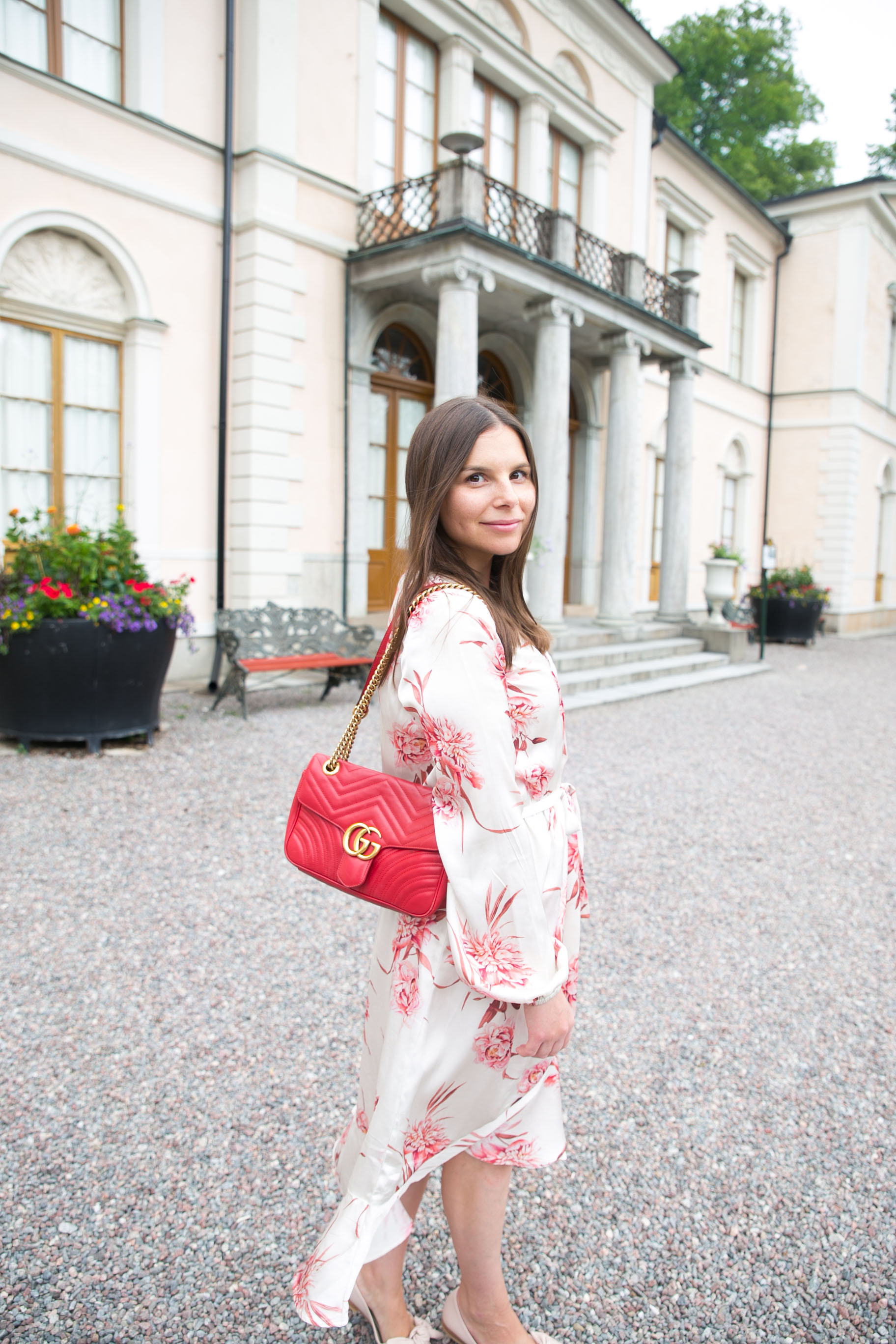 Angelica Aurell blommig klanning Gina tricot Gucci vaska marmont..jpg
