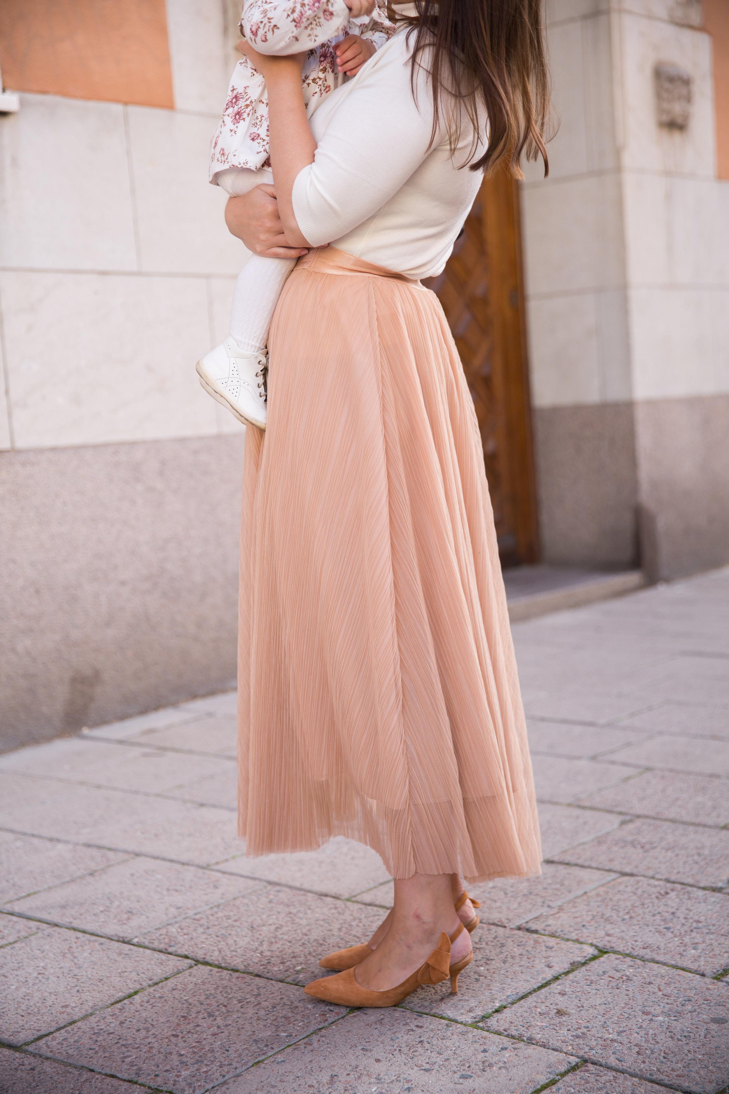 kjol plisserad tyll Angelica Aurell.jpg
