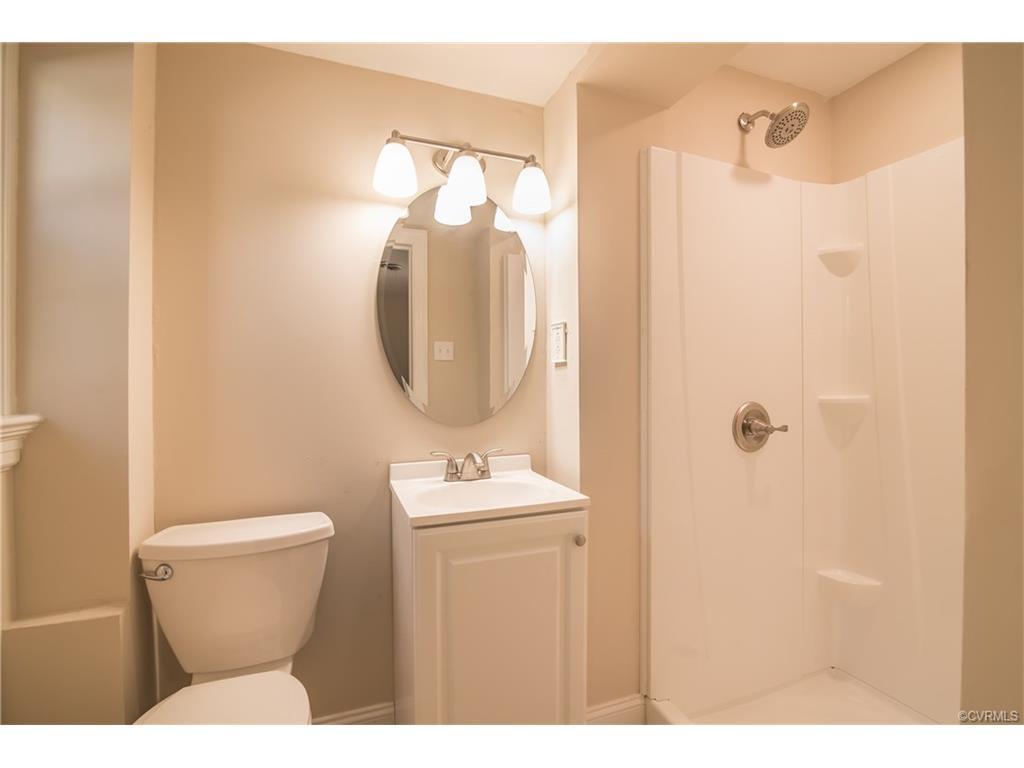 Bathroom Basement.jpg