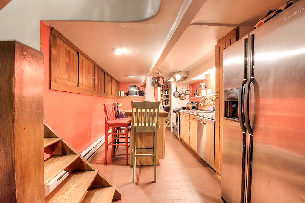 English Basement Kitchen