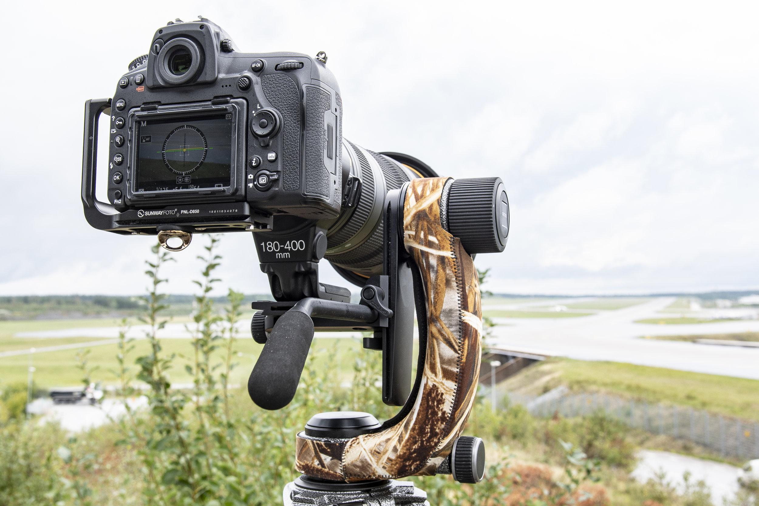 Med Nikon 180-400mm-zoomen förändrades inte balansen vid zoomning. Det gjorde att vi även kunde använda den för att zooma när vi filmade.