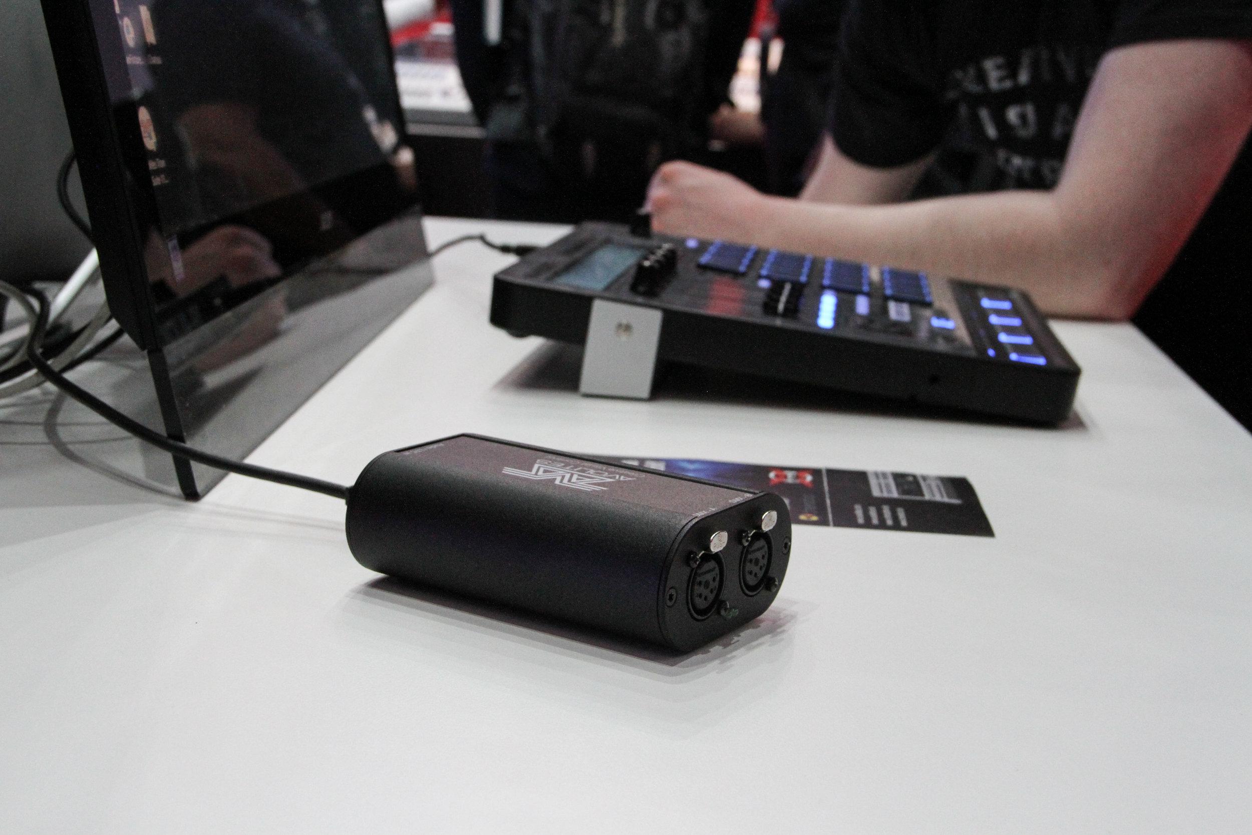Avolites nya USB-interface med både DMX, tidkod och midistöd, T1 och T2, fanns på plats.