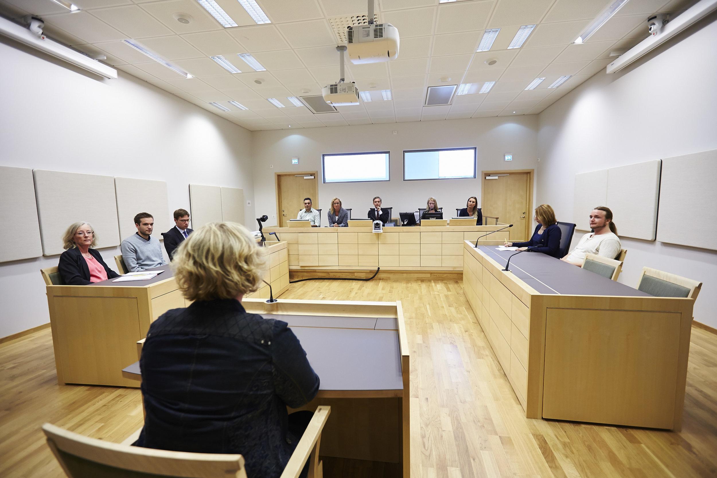 Att använda videokonferenstekniken kan också vara smidigt om parterna befinner sig långt ifrån domstolen. Det är också bra om någon inte vill befinna sig på plats, på grund av rädsla. Fotograf: Ewa Ahlin