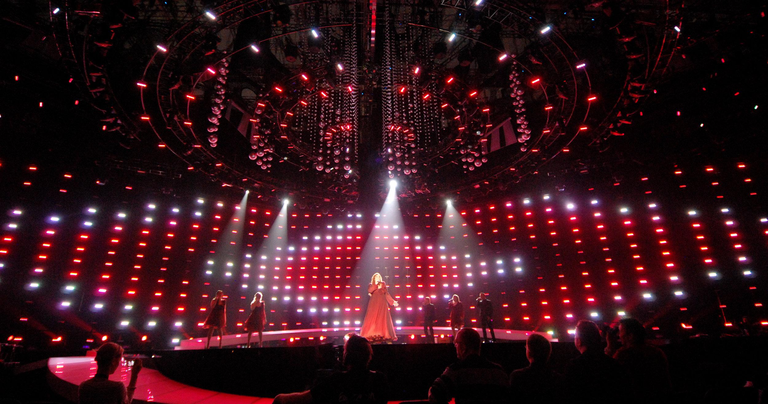 2004 kom den första LED-produkten, den modulära Color Block DB4, och användes sex år efter lanseringen som ett nyckelelement i flertalet kreativa ljussättningar. Här på 2010 års Eurovision Song Contest i Oslo.
