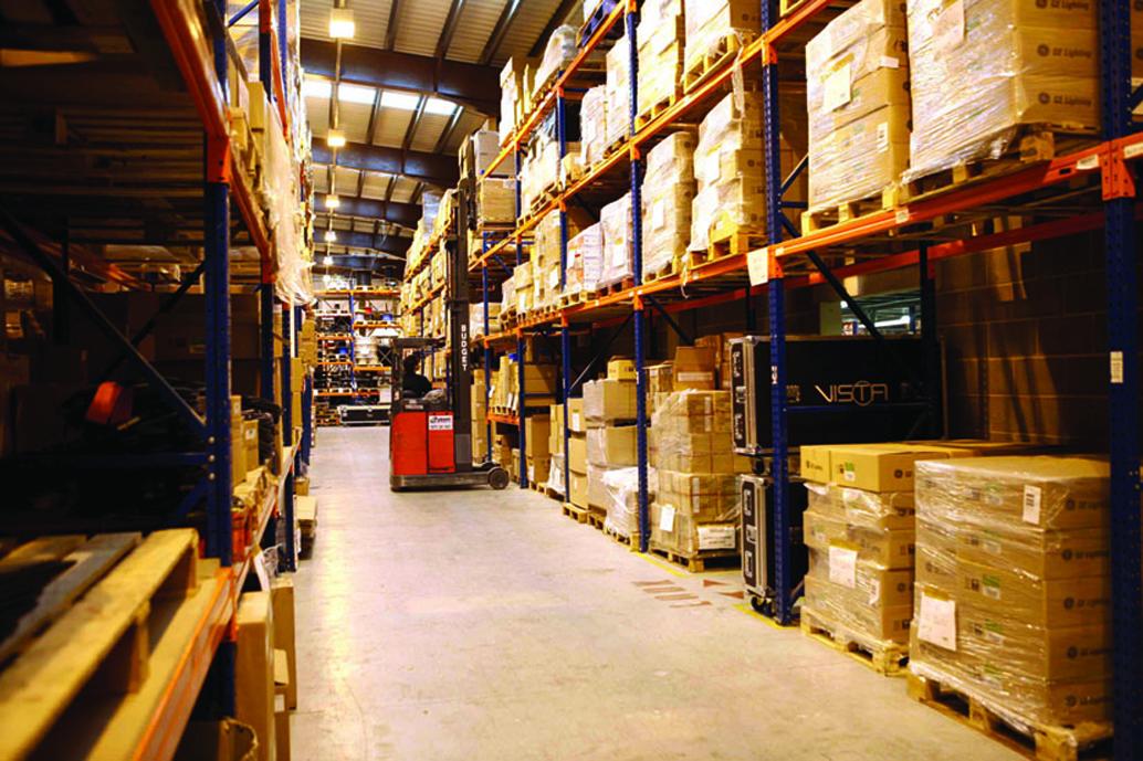 AC-ET har två stora lager i Storbritannien, i vilka man inhyser en stor mängd utrustning från sina populära produktlinjer.