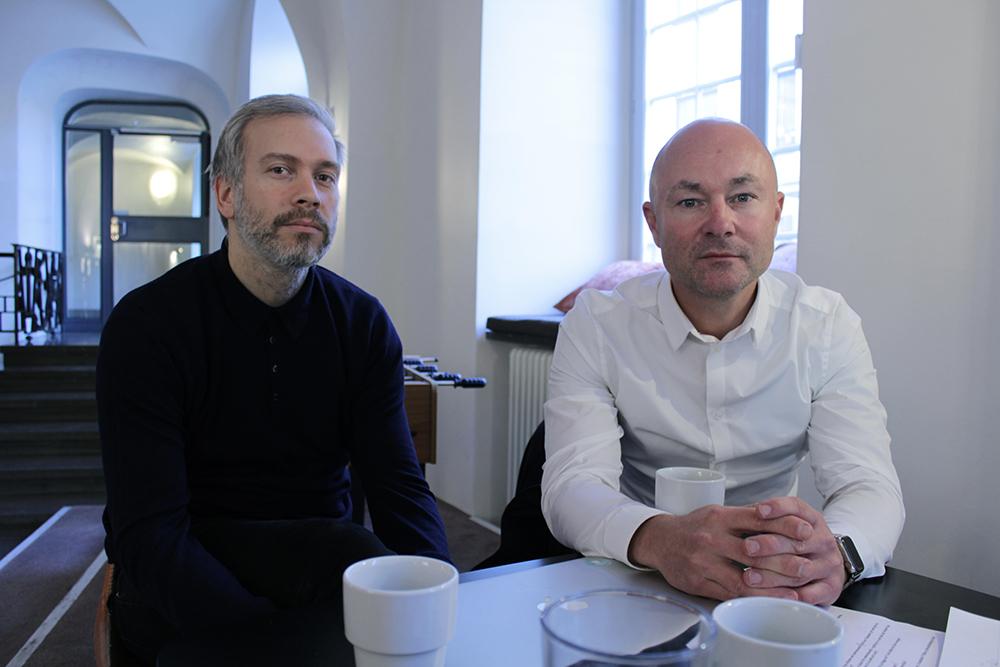 Från vänster: Henric Larsson, Jon Mankell / Foto: Kent Moorhead