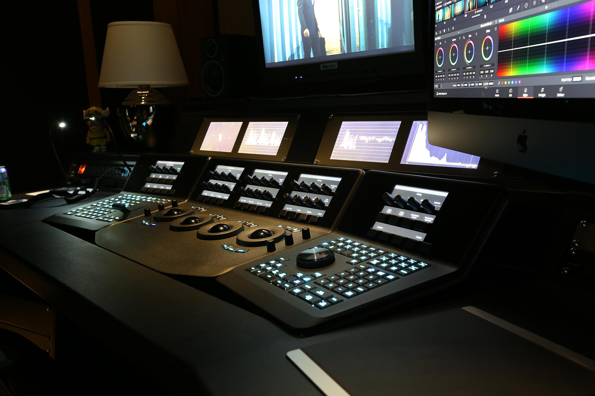 Men för vissa projekt har Sebastian i stället Resolve Studio och Resolve Panels där det behövs flexibilitet.