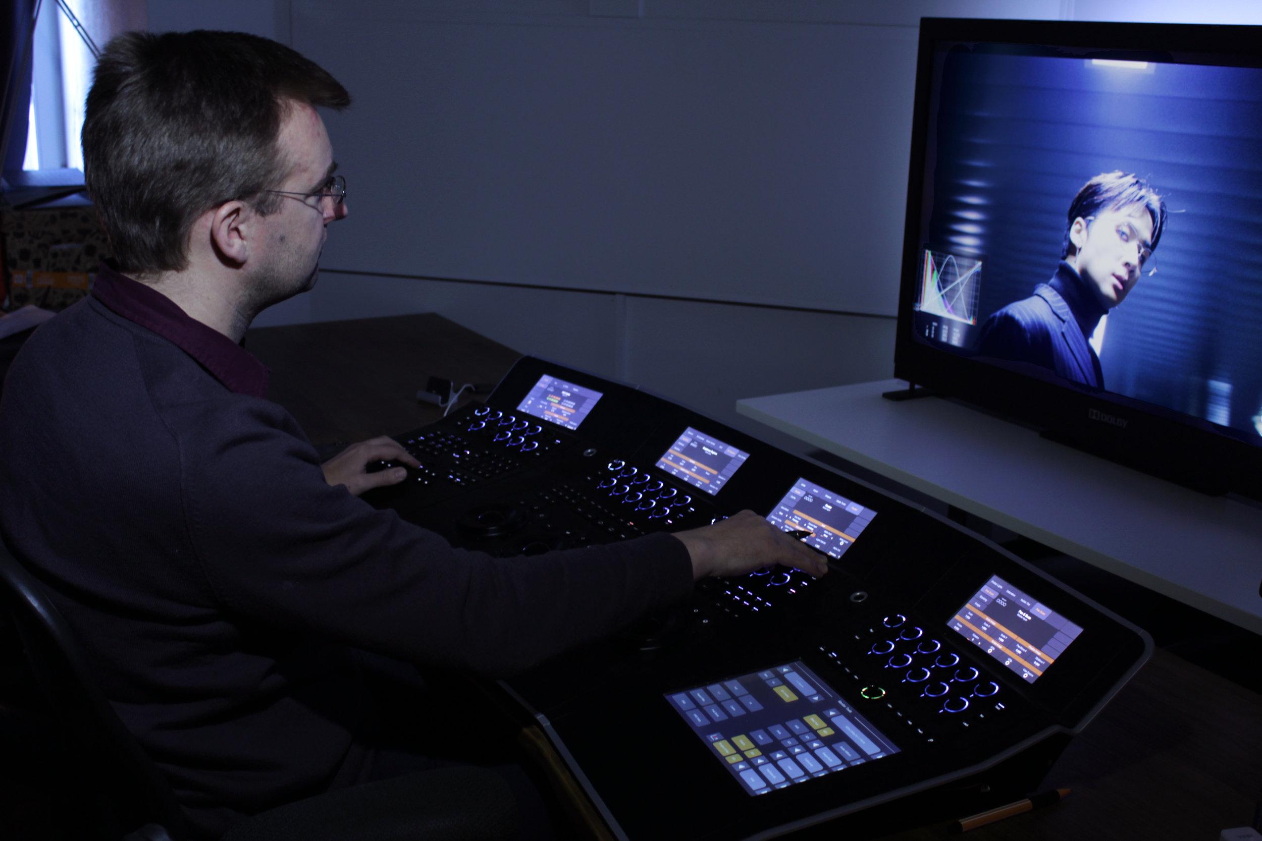 Sebastian Guest med sin Nucoda och Dolby-monitor.