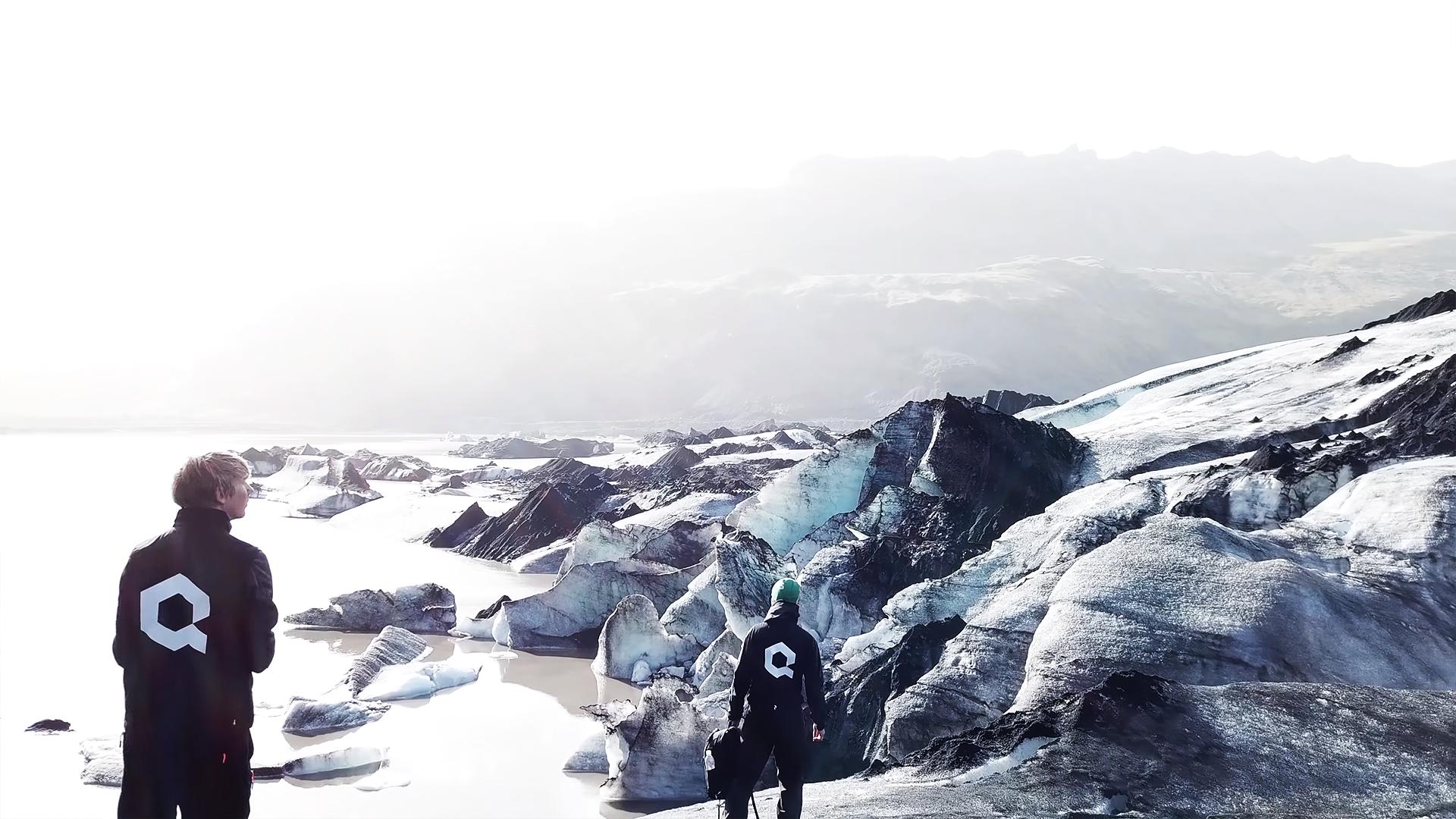 Island är ett väldigt populärt resmål för både film- och spelbranschen och det finns många filmer som utspelar sig just på Island, som  Oblivion ,  Interstellar  och  Star Wars . Uppsalabaserade Quixel satte sig därför på flyget – med målet att skanna varenda biotop på den natursköna ön.
