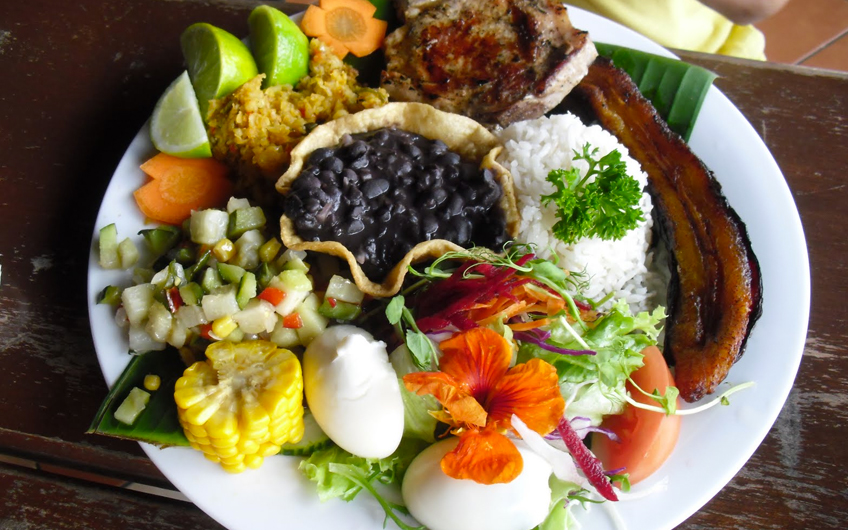 casado-costa-rica-traditional-dish.jpg
