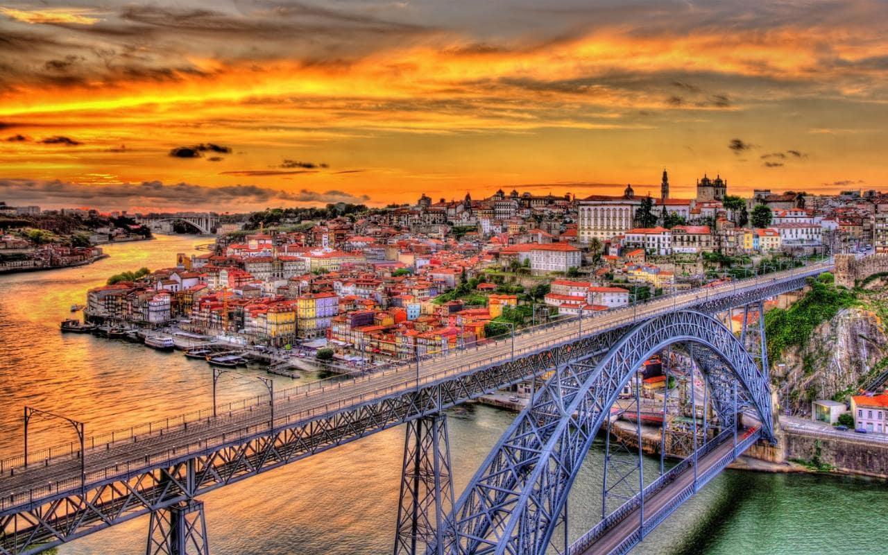Porto_bridge_IG Scholar_Portugal.jpg
