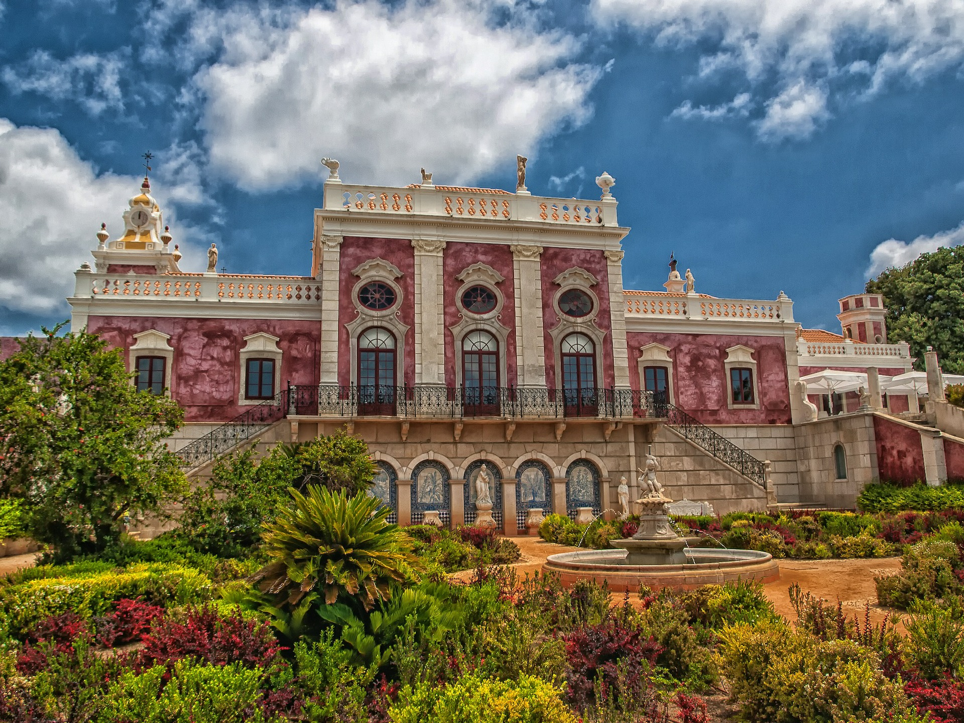 palace-of-estoi-373974_1920.jpg