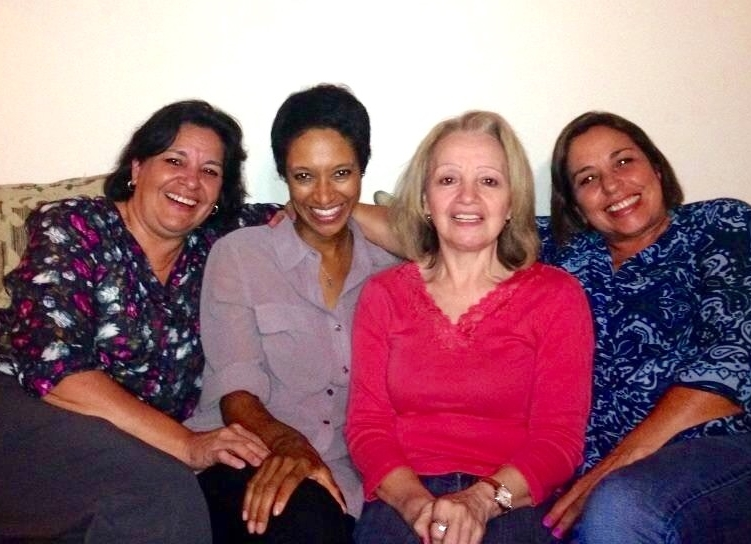 IG Scholar's Sheree Mitchell with her former Costa Rican host family from the 90s