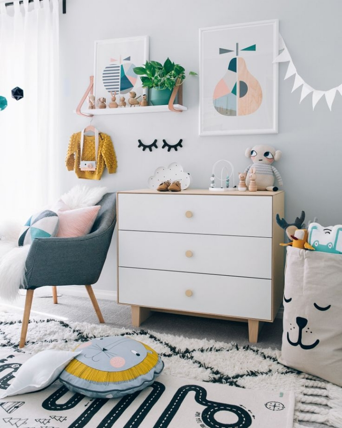 72f9eeb1e785b1e89a29c01694882c77--toddler-bed-transition-white-shelves.jpg