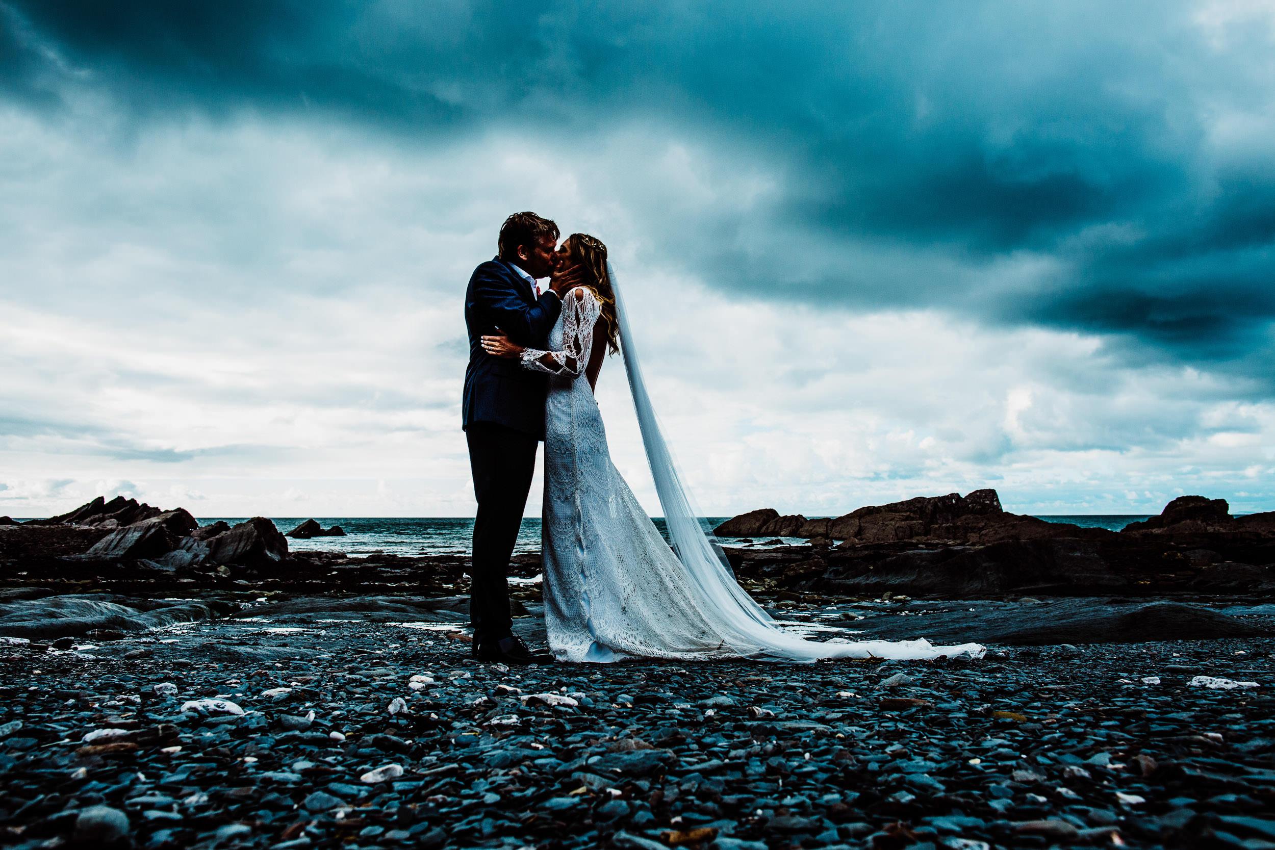 Tunnels Beaches Wedding - Devon - L+D