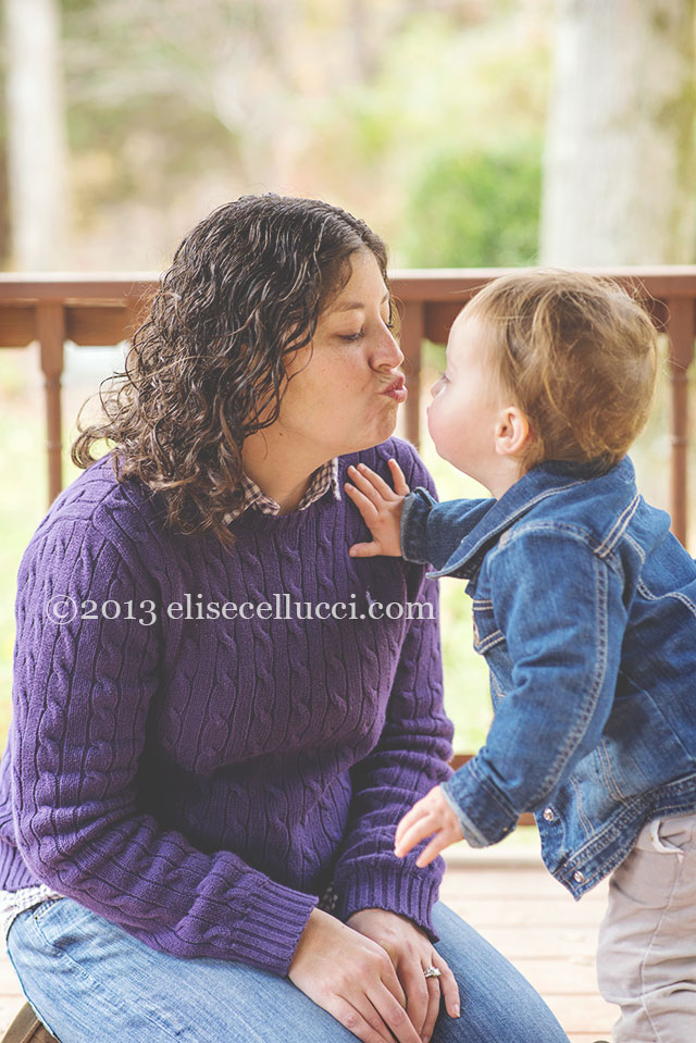 mom and daughter kissing portrait ridley creek state park family fun session