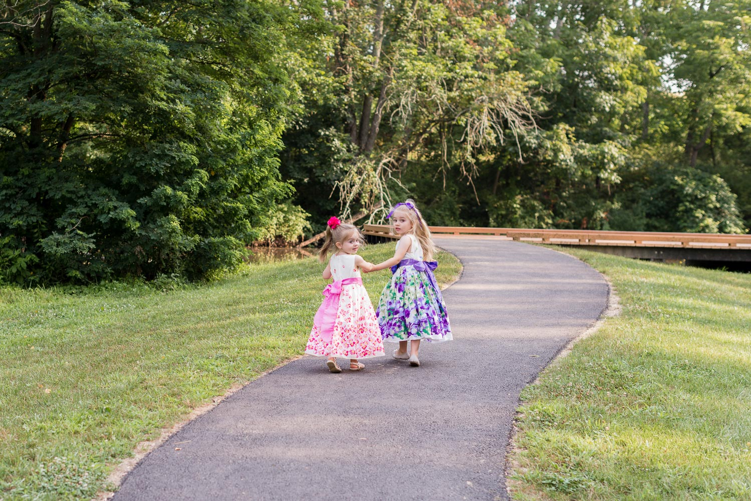 fischer park montgomery county photographer girls walking