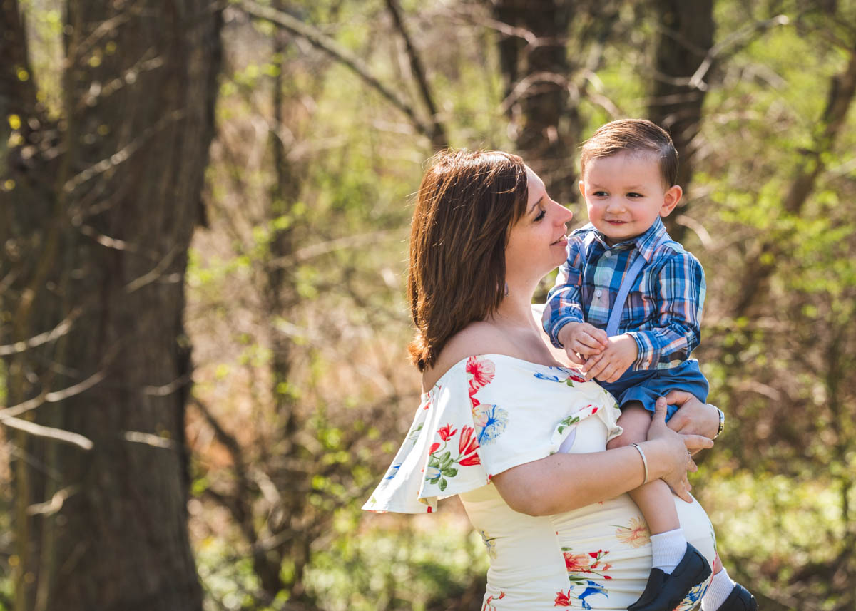 mom and son blue bell maternity photography